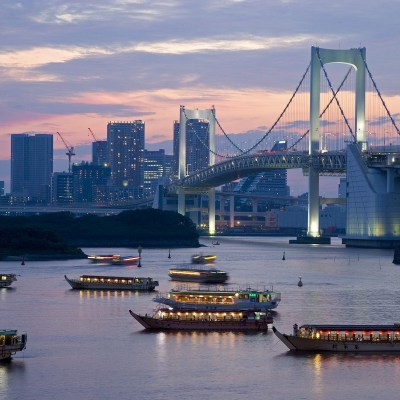 16_Evening_View_of_Rainbow_Bridge_and_Houseboats_Tokyo_Japan